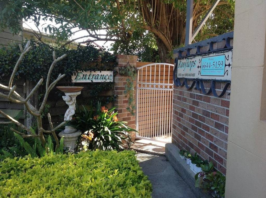 rooftops-bed-and-breakfast-ulmarra-nsw-accommodation-entrance