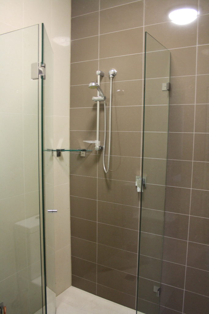 Annandale-Hotel-NSW-pub-accommodation-double-room-ensuite8