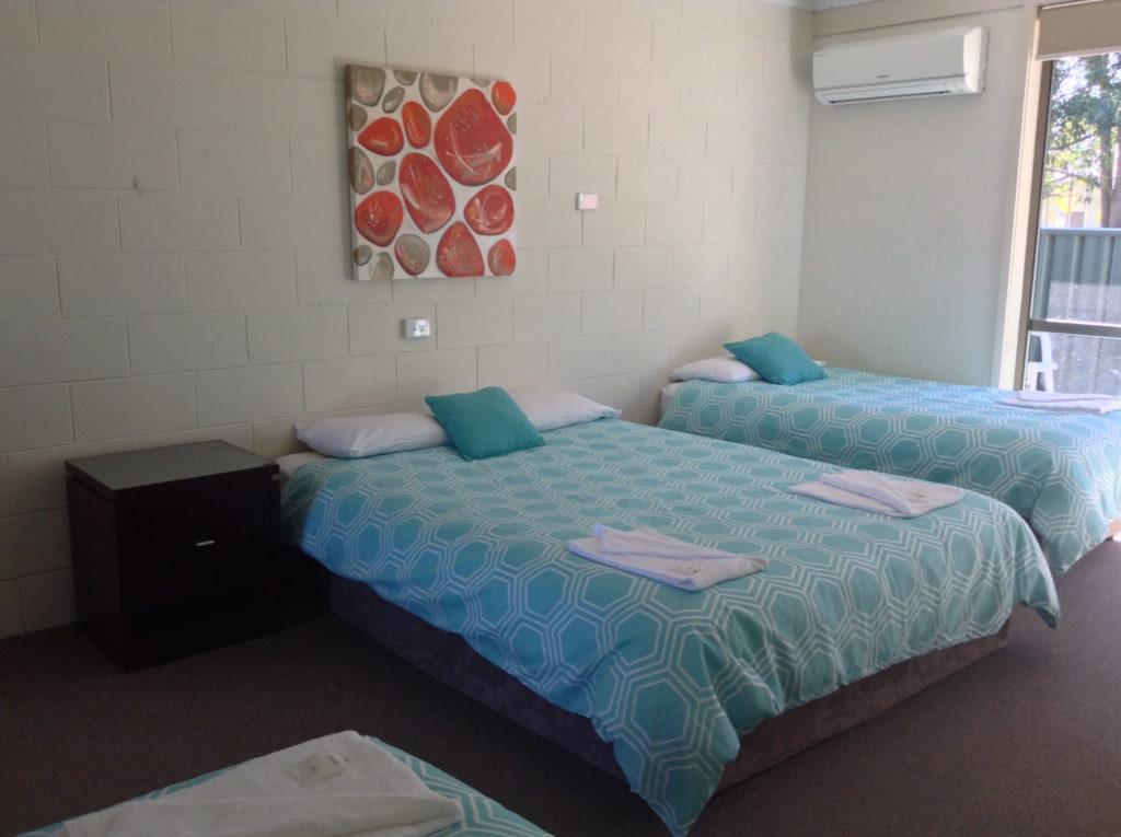 Settlers-inn-port-macquarie-nsw-pub-hotel-accommodation-double-single-room