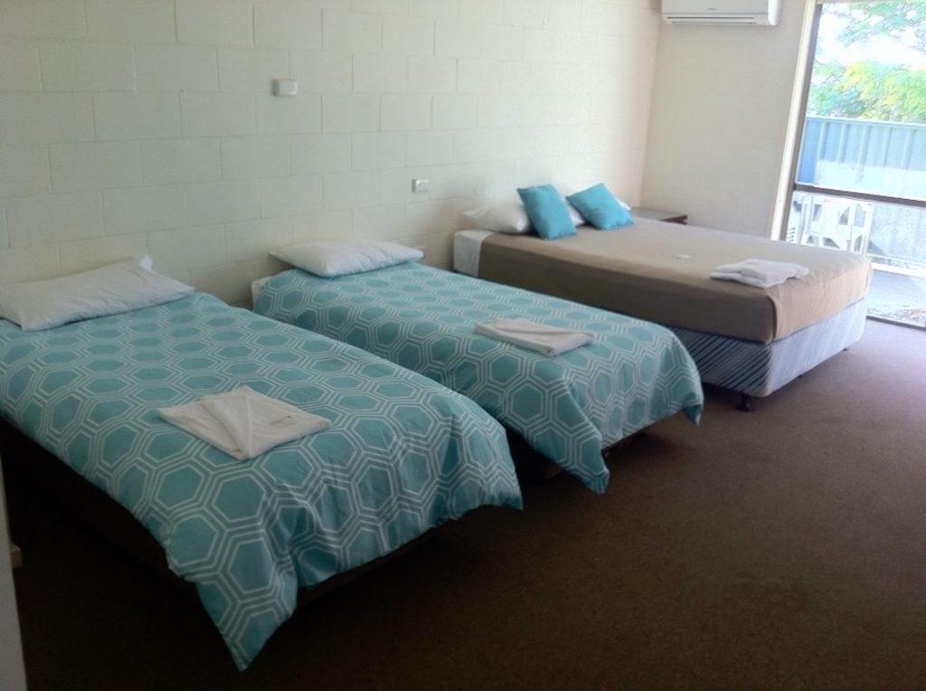 Settlers-inn-port-macquarie-nsw-pub-hotel-accommodation-family-room
