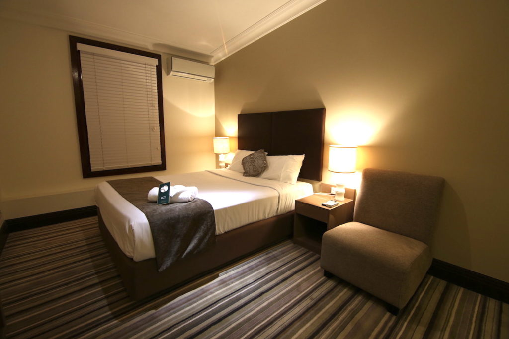 Southern-Cross-Hotel-Sydney-nsw-pub-accommodation-standard-double-room1