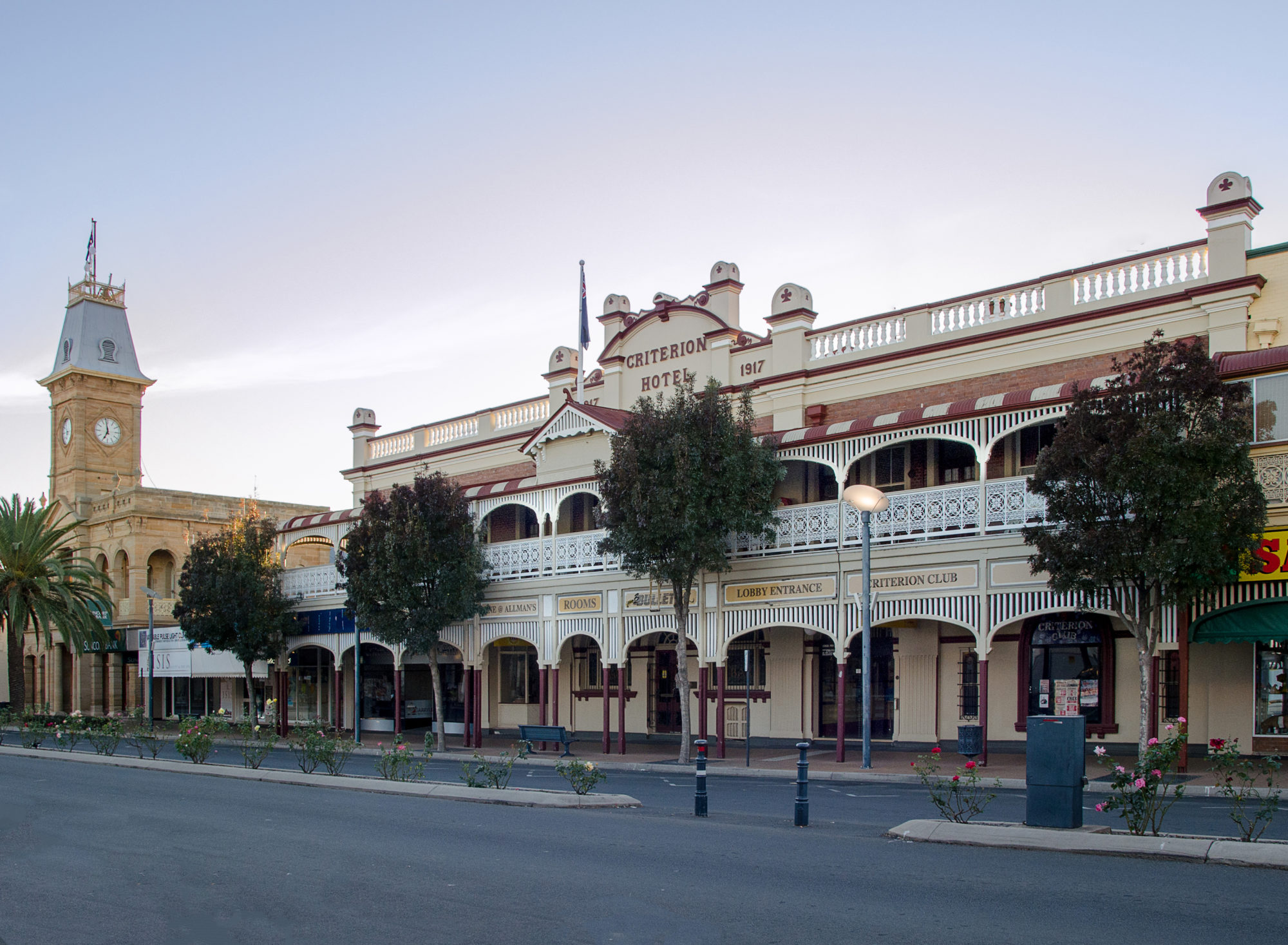 The-Criterion-warwick-accommodation-hotel-front