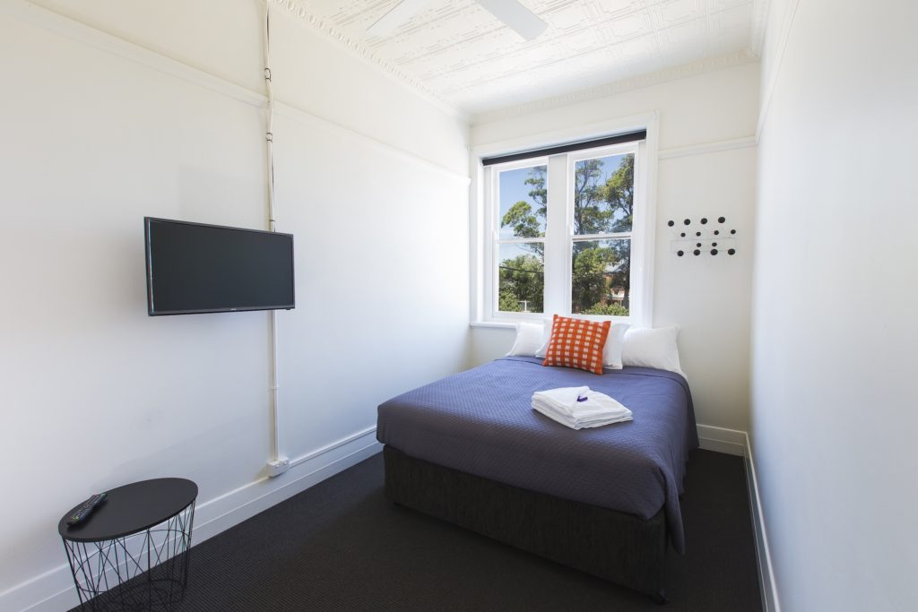 boatrowers-hotel-stockton-nsw-pub-hotel-accommodation-double-room3