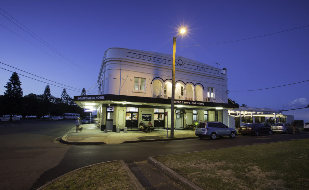 boatrowers-hotel-stockton-nsw-pub-hotel-accommodation-exterior2
