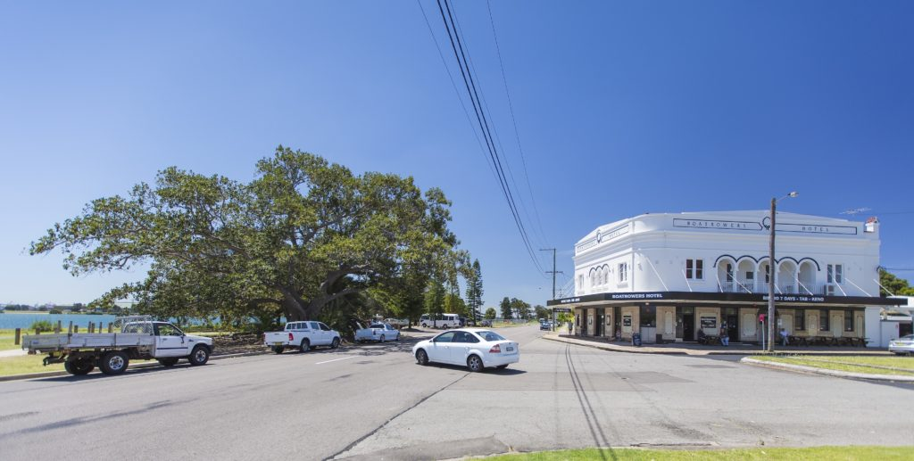 boatrowers-hotel-stockton-nsw-pub-hotel-accommodation-exterior7