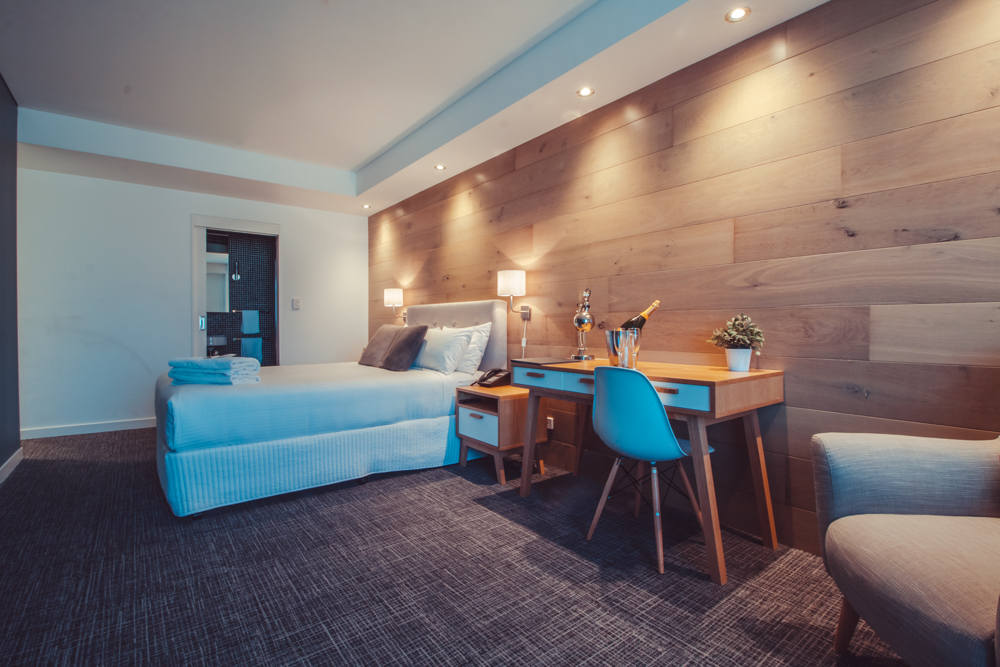 crown-hotel-surry-hills-pub-hotel-accommodation-queen2