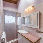 rooftops-bed-and-breakfast-ulmarra-nsw-accommodation-queen-room-with-bathroom