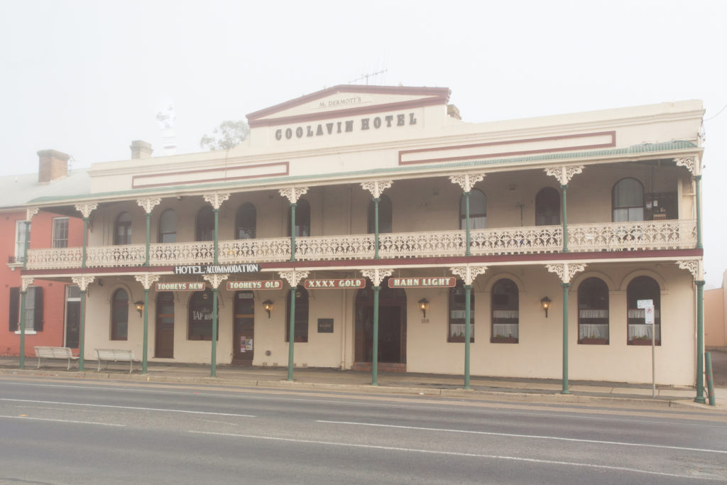 southern-railway-hotel-nsw-goulburn-pub-accommodation-exterior
