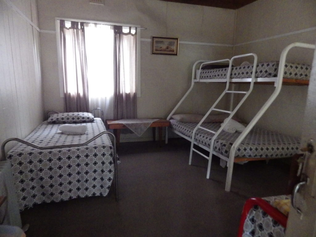 victoria-hotel-moonan-flat-pub-accommodation-bunkhouse-double-room