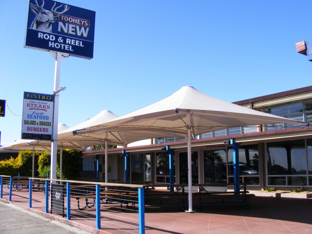 Rod-n-Reel-Hotel-Motel-Woodburn-Pub-Rooms-Australia-street-view