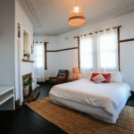 charing-cross-hotel-waverley-nsw-pub-accommodation-king-room4