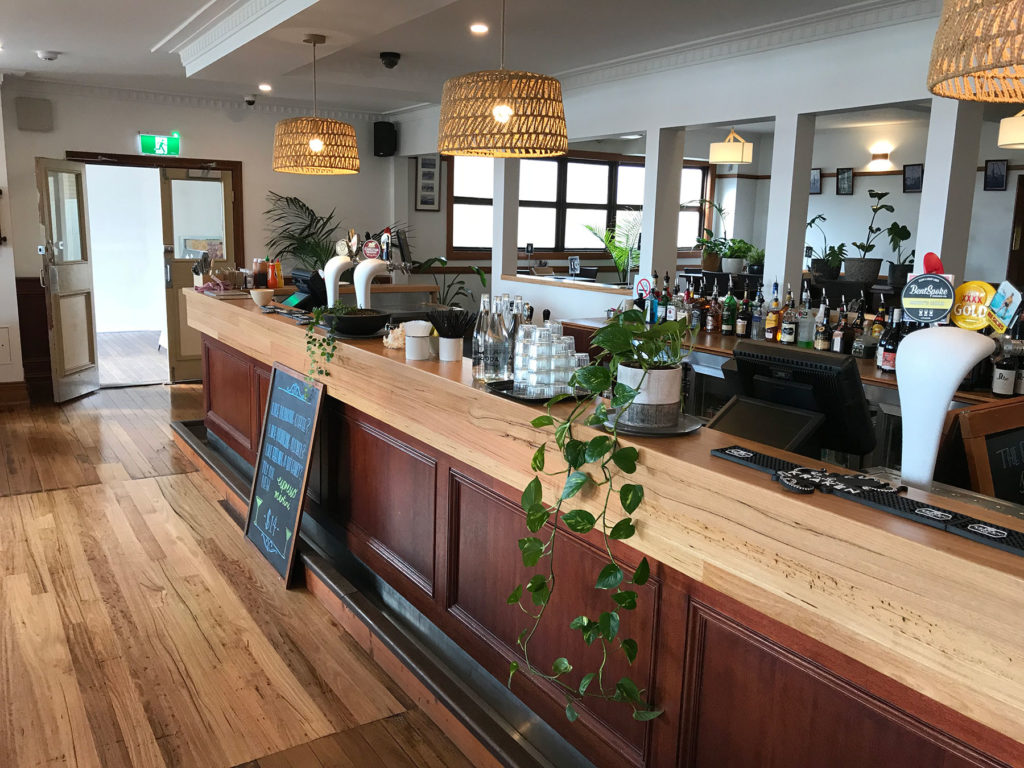 Bermagui-beach-hotel-nsw-pub-accommodation-restaurant6