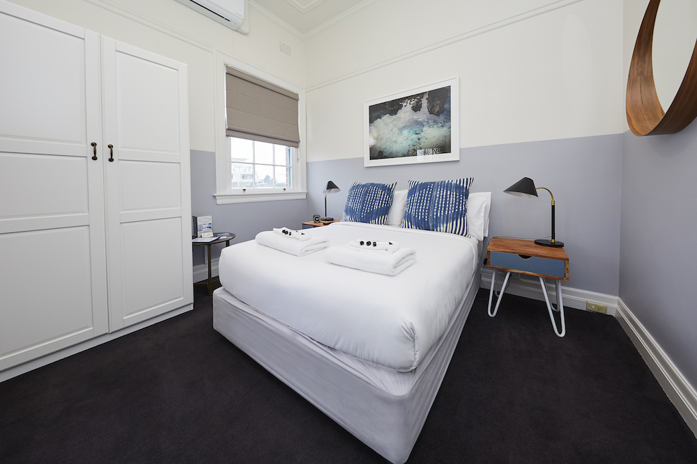 bridgview-hotel-willoughby-nsw-pub-accommodation-heritage-room3