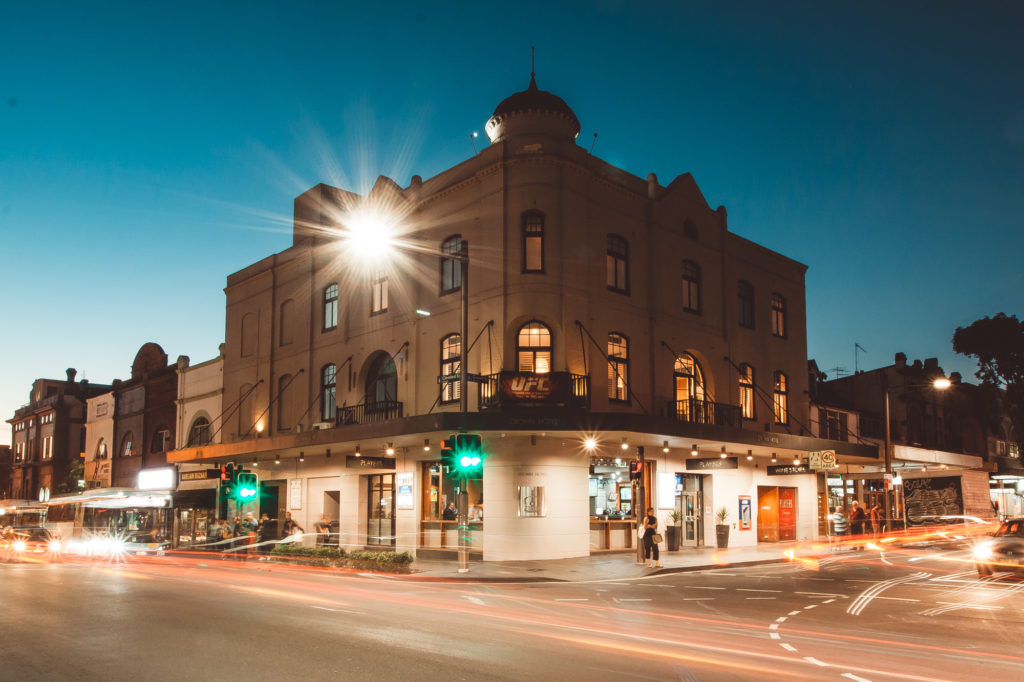 crown-hotel-surry-hills-pub-hotel-accommodation-outsite