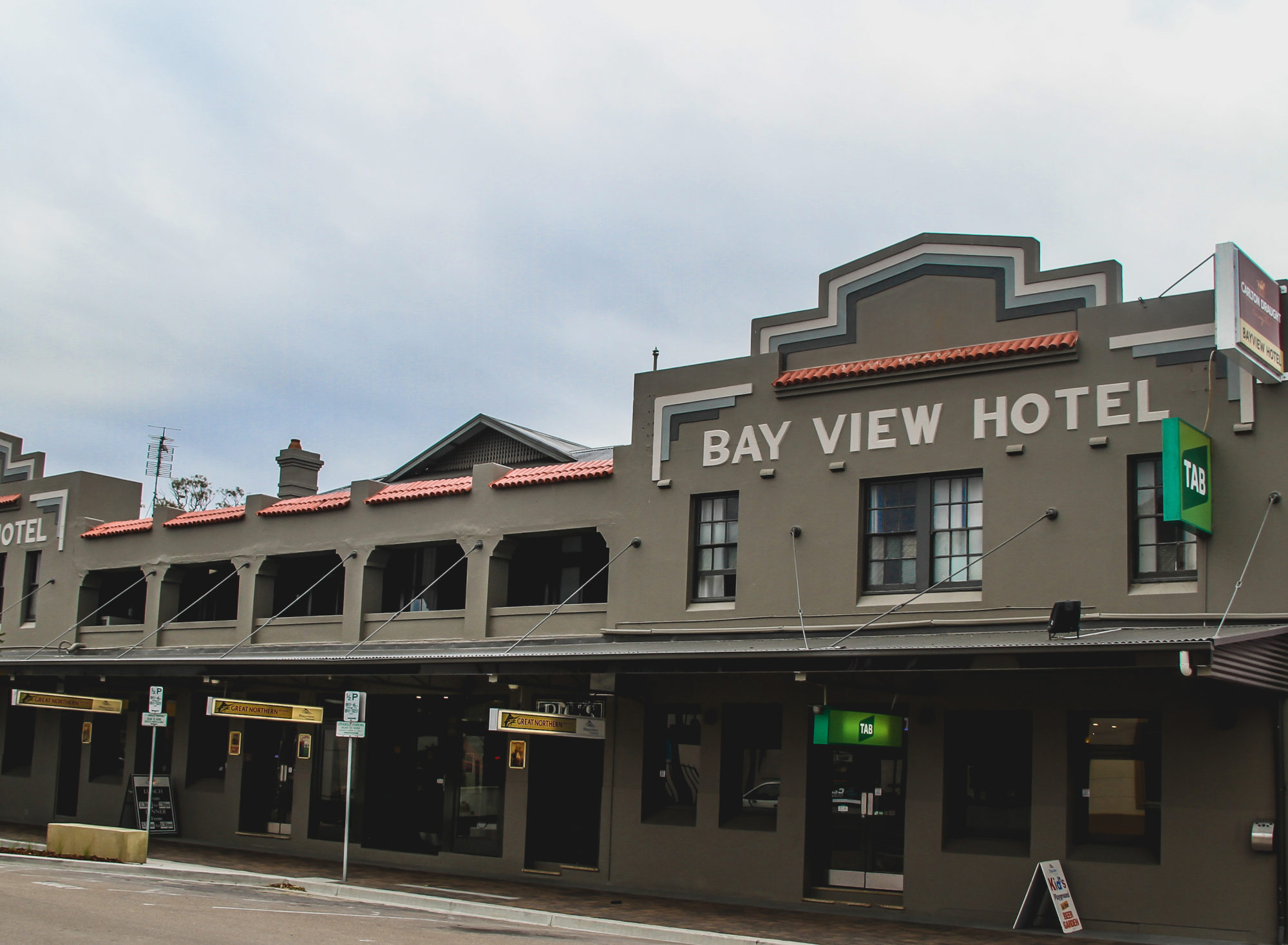 South Coast & Country NSW Hotels with Budget Accommodation
