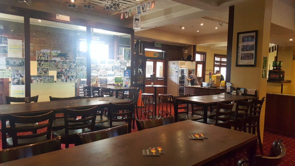 Gardners-inn-hotel-pub-accommodation-bar
