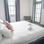 oasis-on-beamish-hotel-nsw-pub-accommodation-king-room-ensuite-bathroom12