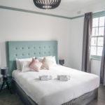 oasis-on-beamish-hotel-nsw-pub-accommodation-king-room-ensuite-bathroom6