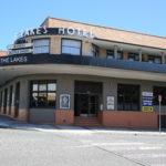 lakes-hotel-the-enterance-pub-accommodation