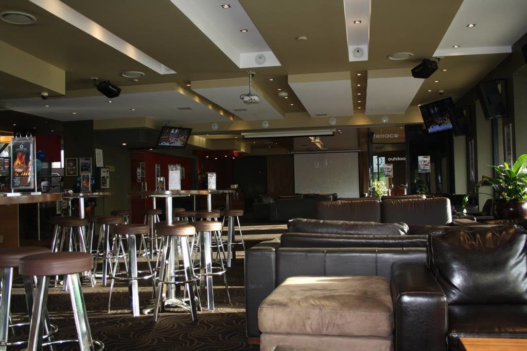 southern-cross-hotel-sports-bar
