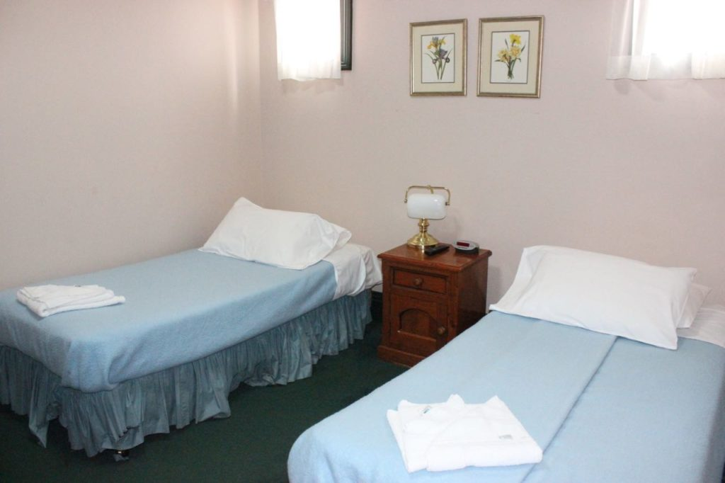 glasgow-arms-hotel-ultimo-nsw-sydney-pub-accommodation-twin-room1 copy