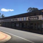 Royal-hotel-carrangarra-tambo-qld-pub-accommodation-exterior2
