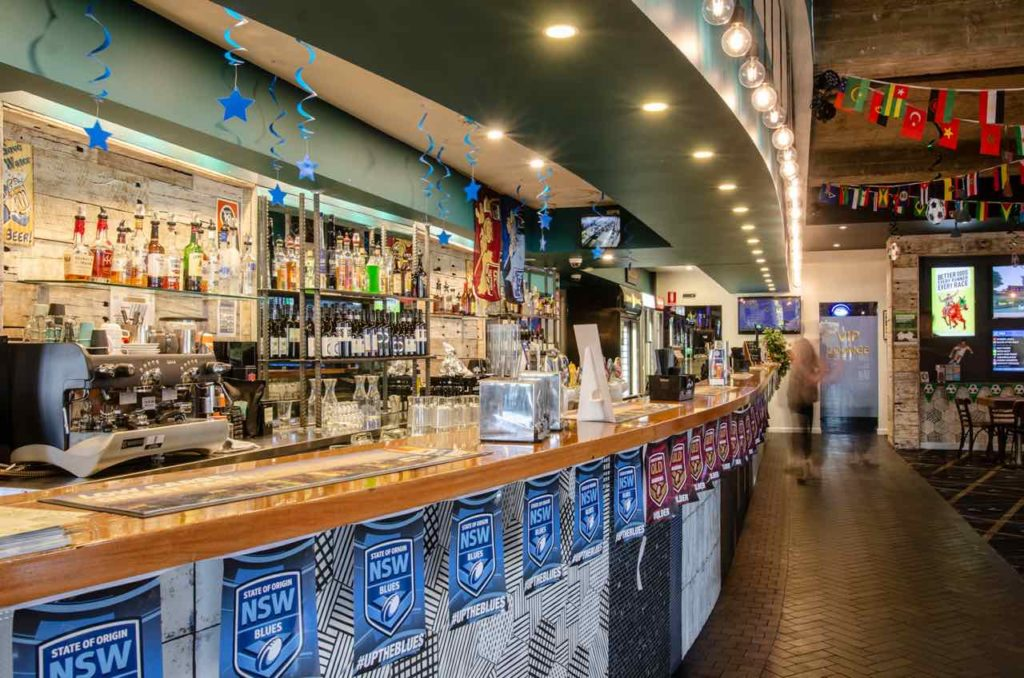 figtree-hotel-figtree-nsw-pub-accommodation-bar2 copy