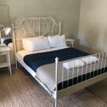 coolangatta-sands-hotel-qld-pub-accommodation-queen-room-shared-bathroom4 copy