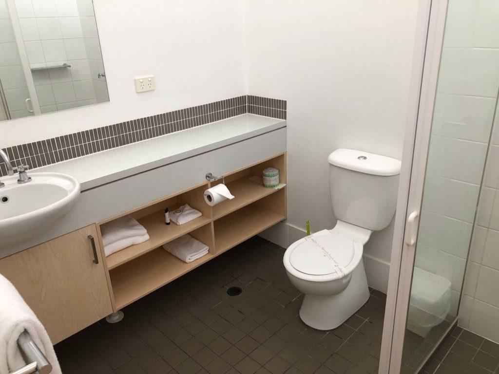 bribie-island-hotel-bellara-qld-pub-accommodation-queen-single-room15
