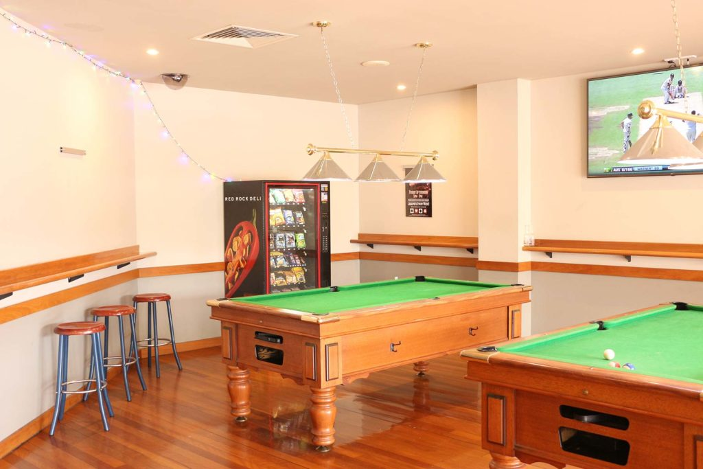 Salisbury-hotel-motel-qld-pub-accommodation-bar4