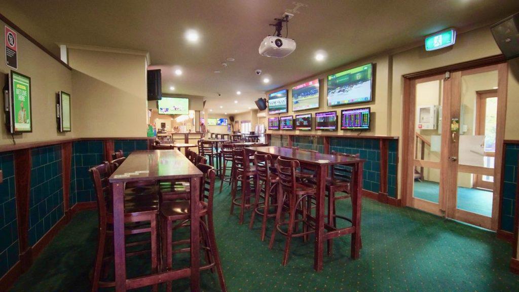 argyle-hotel-moss-vale-nsw-pub-accommodation-bar2.jpg