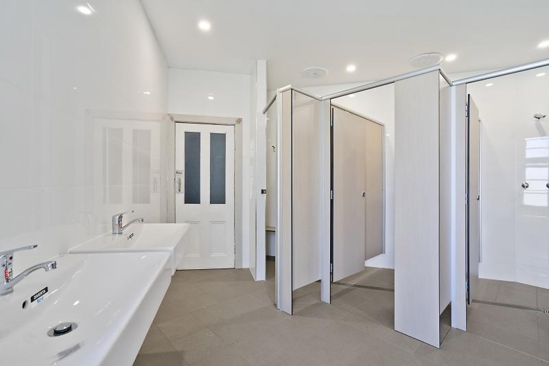 imperial-hotel-singleton-share-bathroom